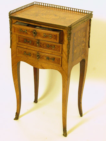 Table en chiffonier