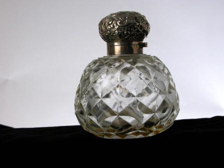 Purfume bottle