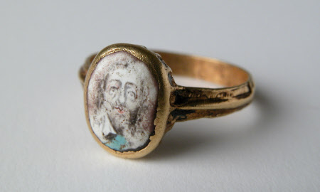 Gold ring mounted with a portrait King Charles I (1600-1649)