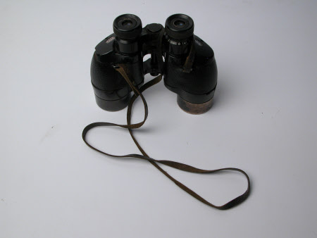 Field glasses
