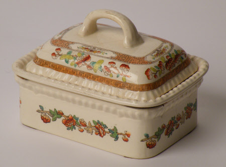 Washstand soap dish and cover