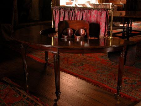 Hunt table