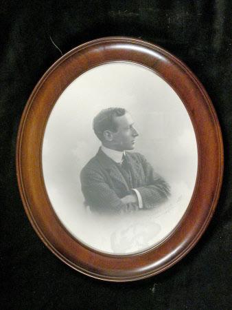 Geoffrey Mander