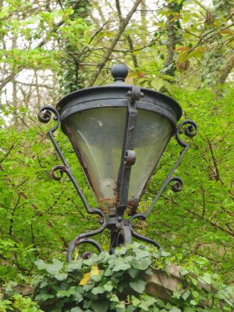 Gate piller lamp