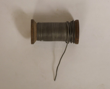 Fuse wire spool
