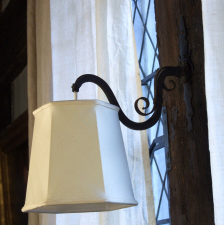 Wall light fitting