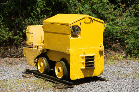 Mine locomotive
