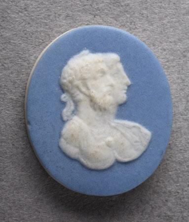 Cameo medallion