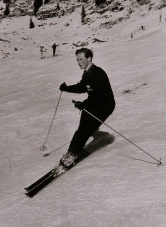 Winston Spencer Churchill (1940-2010) ski-ing
