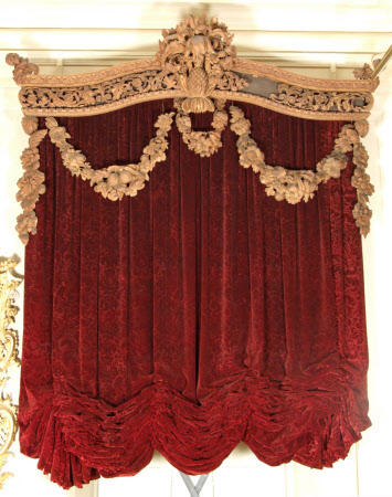 Festoon curtain