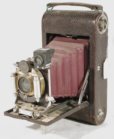 No 3 folding pocket Kodak, model E, serial no. 7037-E