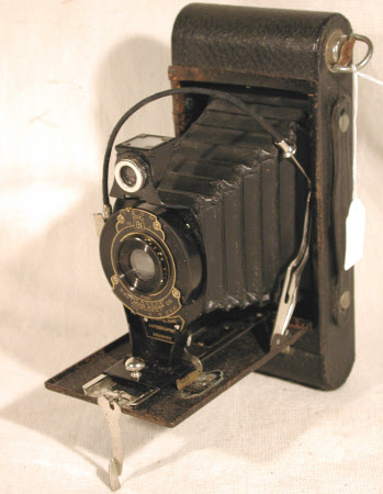 No. 2a Folding Autographic Brownie, serial no. 660236