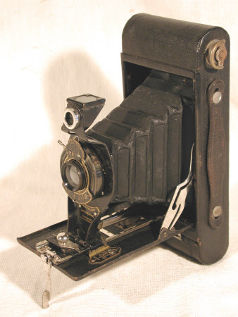 No. 2a Folding Autographic Brownie, serial no. 268561