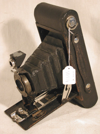 No. 2a Folding Autographic Brownie, serial no. missing