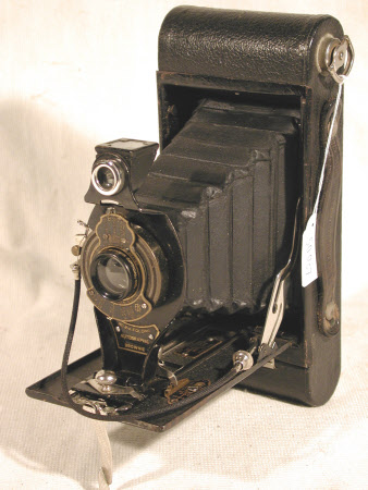No. 2a Folding Autographic Brownie, serial no. 335484
