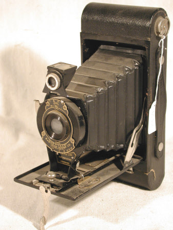 No. 2a Folding Autographic Brownie, serial no. 610358