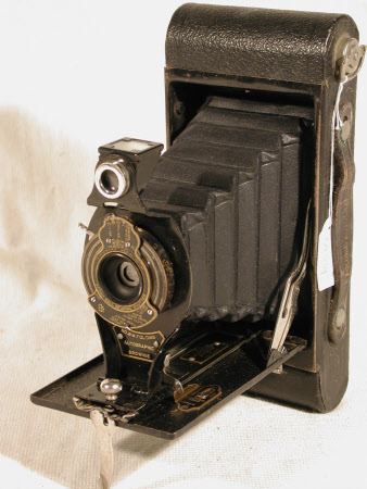 No. 2a Folding Autographic Brownie, serial no. 382763