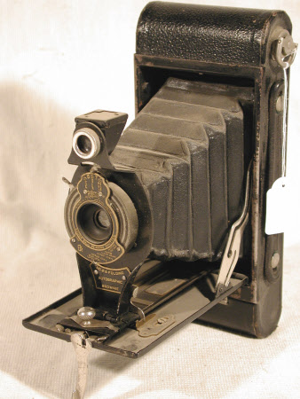 No. 2a Folding Autographic Brownie, serial no. 148030