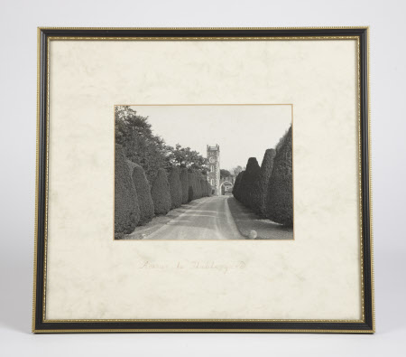 Avenue to Stableyard