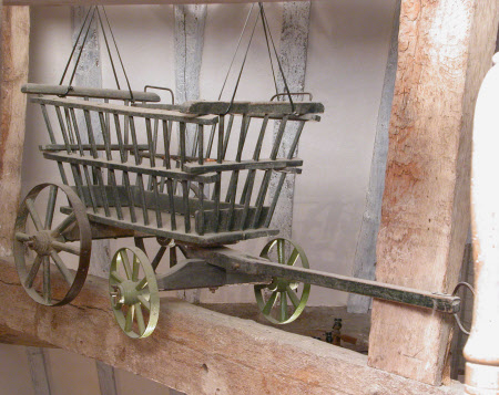 Farm wagon pram