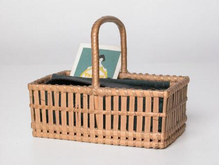 Miniature cutlery basket