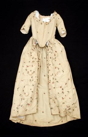 Open robe polonaise