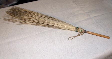 Fly whisk