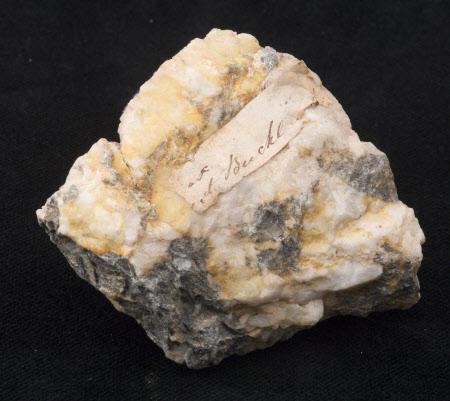Mineral specimen