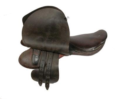 Hunting saddle