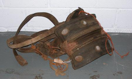 Cart saddle