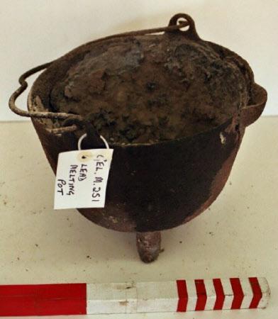 Lead melting pot