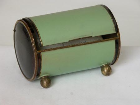 Cigarette box