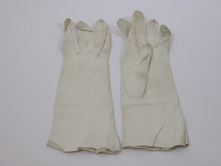 Ladies glove
