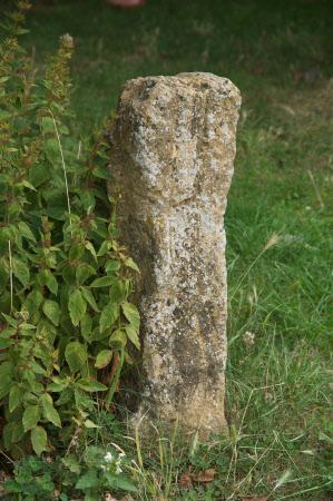 Staddle stone base