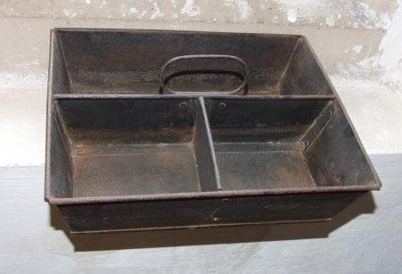Boot polishing tray