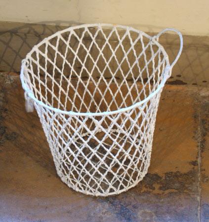 Egg preserving basket