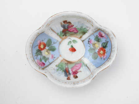 Miniature saucer
