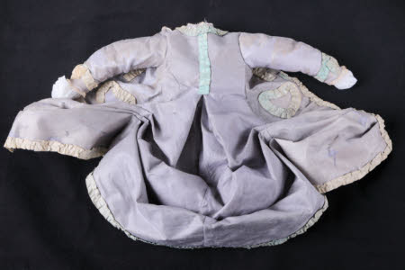 Doll's gown
