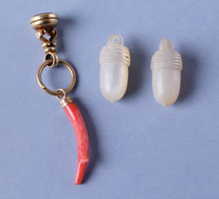Ear pendant