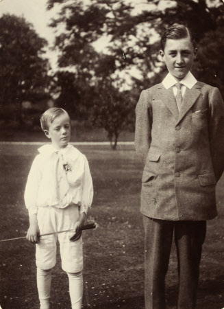 Inigo Brassey Freeman-Thomas, later 2nd Marquess of Willingdon (1899-1979) with his brother Gerard ...