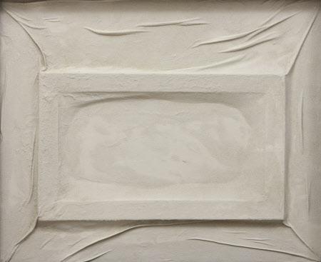 Ropa blanca encolada (White Pasted Clothing)
