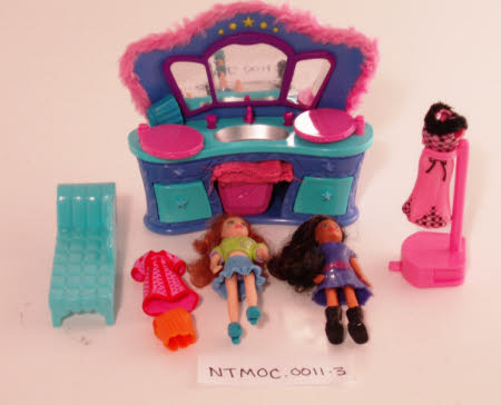 Toy beauty salon