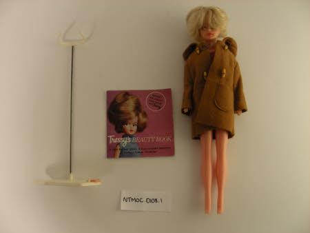 Plastic Tressy doll
