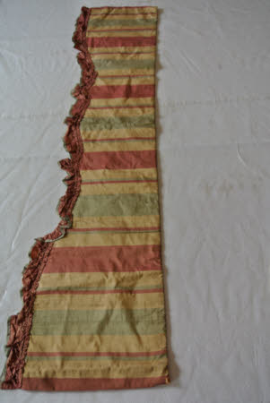 Curtain and tie back