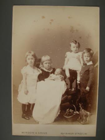 Left to right: The Hon. Julia Caroline Everilda Agar-Robartes (1880-1969), The Hon. Mary Vere ...