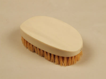 Clothes brush