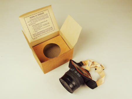 Gas mask with case