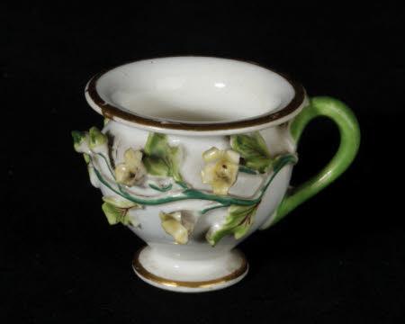 Baluster teacup