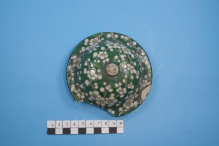 Baluster vase cover