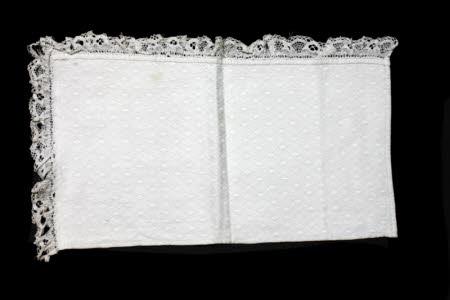 Dressing table mat